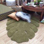 Teppich in Blattform zum kuscheln