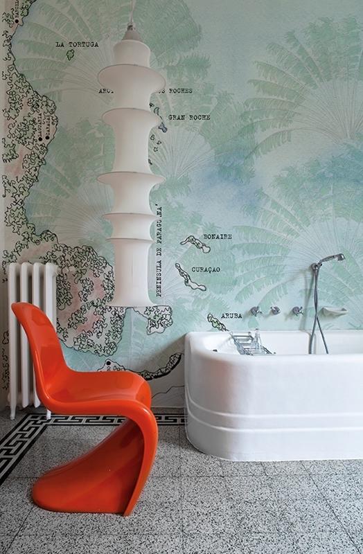 Karibisches Feeling in der Badewanne. Mit dieser Tapete fühlt sich das Badezimmer wie Urlaub an.