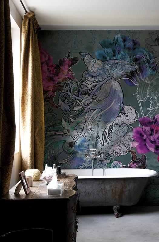 Großformatige, florale Muster sind ein zeitlos schönes Highlight für jedes Badezimmer.